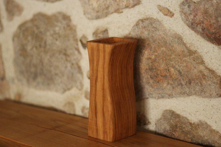 Wooden-vase-curves-FabsFurniture